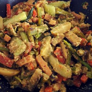 Avial/Aviyal (Kerala Mixed Vegetable Curry)