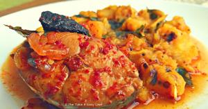 Kerala Fish Curry (Naadan Mulakkita Meen Curry)