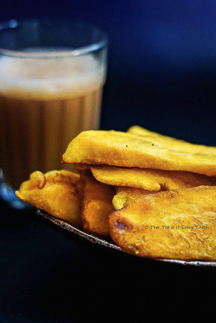 Banana Fritters (Pazham Pori) and a glass of tea